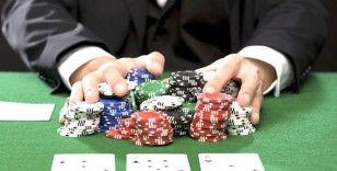 Uşak'ta kumar oynayan 11 kişiye 15 bin TL para cezası kesildi