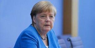 Alman halkının Merkel'e güveni kalmadı