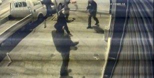 İstanbul'da dehşet anları: Döner bıçağıyla saldıran genci tabancayla vurdu