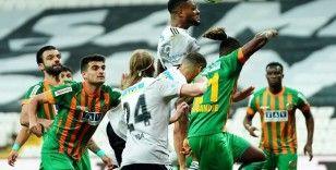 Süper Lig: Beşiktaş: 1 - Aytemiz Alanyaspor: 0 (İlk yarı)