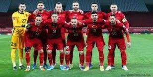 İtalya - Türkiye maçı seyircili olabilir