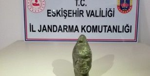 Hitit dönemine ait heykeli satmak isterken jandarmaya yakalandılar