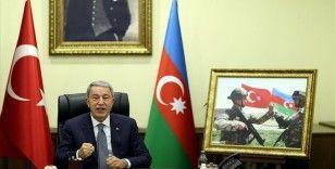 Bakan Akar: Tek millet, iki devlet ilkesiyle güçlenen kardeşliğimiz Karabağ'ın özgürleştirilmesiyle adeta perçinlendi