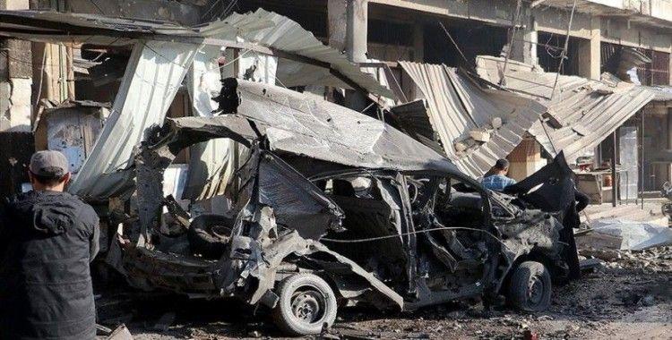 Esed rejiminin İdlib'de bir araca düzenlediği saldırıda 4 sivil öldü