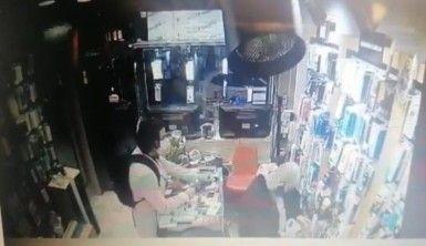 İstanbul'da esnafın kabusu Cezayirli telefon hırsızı yakalandı