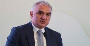Kültür ve Turizm Bakanı Ersoy: Aşılama programında önceliği açık olan tesislere veriyoruz