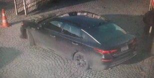 Spor yapan adamın önce anahtarını sonra arabasını çaldılar