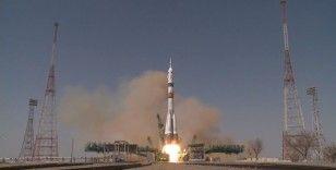Kozmonot Gagarin'in ilk uçuşunun 60. yılı onuruna Soyuz ekibi uzaya fırlatıldı
