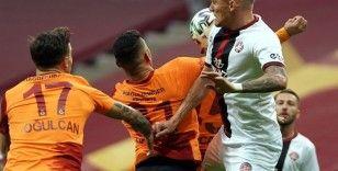 Süper Lig: Galatasaray: 0 - Fatih Karagümrük: 0 (İlk yarı)