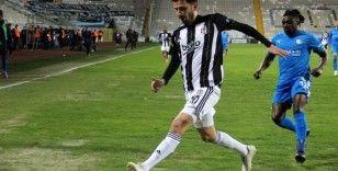 Erzurum'da nefes kesen maç! Beşiktaş zirvede farkı açıyor...