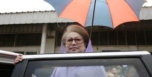 Bangladeş'te ev hapsindeki eski başbakan Covid-19'a yakalandı