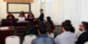 Annesini çekiçle öldürmekten yargılanan gencin duruşmasında tanıklar dinlendi