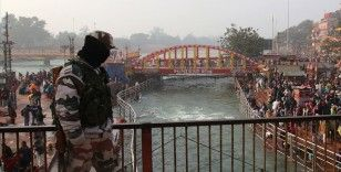 Hindistan'da Kovid-19 salgınında günlük vaka sayısı 169 bine yaklaştı