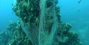 Denizlerden geçen yıl 10 bin metrekare 'hayalet ağ' çıkarıldı
