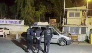 İzmir merkezli FETÖ operasyonundan 54 şüpheli gözaltında