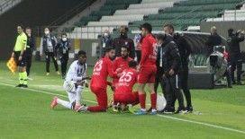 Maç sırasında orucunu açan futbolculardan açıklama