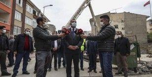 Çankaya Belediye Başkanı Taşdelen, çevredeki binaların temeline zarar verdiği belirtilen inşaat alanını inceledi