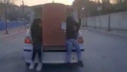 Arnavutköy'de tehlikeli taşımacılık cep telefonu kamerasına yansıdı