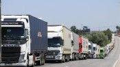 Azerbaycan ek ücret alıyor, Rusya sınırda bekletiyor