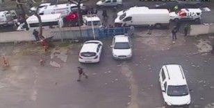 Güngören'de kamyonetin yayaya çarptığı feci kaza kamerada