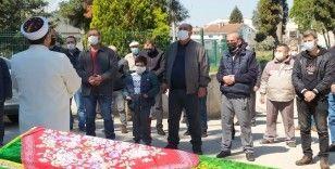 8 yaşındaki Halim'in en acı vedası...Annesinin cenaze namazını kıldı