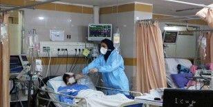 İran'da son 24 saatte 380 kişi Kovid-19'dan hayatını kaybetti