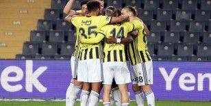 Süper Lig: Fenerbahçe: 3 - Kasımpaşa: 1 (İlk yarı)
