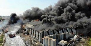 Geri dönüşüm fabrikasındaki yangın havadan görüntülendi