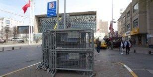 Taksim'de 1 Mayıs tedbirleri: Polis barikatları getirildi