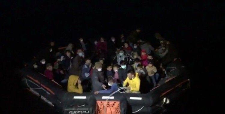 İzmir'de 53 düzensiz göçmen kurtarıldı