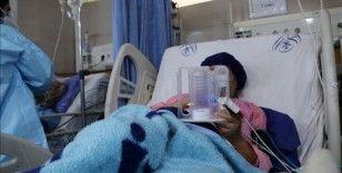 İran'da son 24 saatte 462 kişi Kovid-19'dan hayatını kaybetti