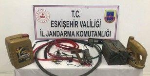 Şantiyeden hırsızlık yapan 2 kişi yakalandı