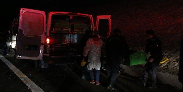 Kocaeli'deki feci kazada ölen Fahri Başkonsolos ile 2 kişinin cenazesi morga kaldırıldı