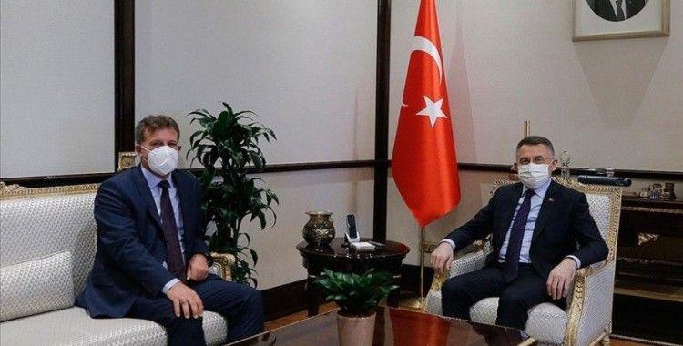 Cumhurbaşkanı Yardımcısı Oktay, KKTC Başbakan Yardımcısı, Ekonomi ve Enerji Bakanı Arıklı'yı kabul etti