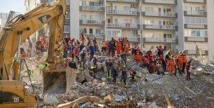 İzmir depreminde yıkılan 8 bina için 13 şahıs gözaltında