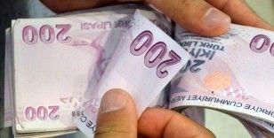 Emeklilere bayram ikramiyesini bin 100 TL'ye çıkaran teklif kabul edildi