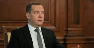 Medvedev: Çekya, ABD'nin Rusya politikasının rehini