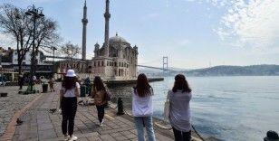 Tam kapanmanın ilk gününde İstanbul turistlere kaldı