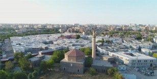 Sur'da yapımı tamamlanan konutlar hak sahiplerine teslim ediliyor