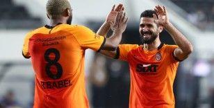 Galatasaray'dan Beşiktaş'a 'takipteyim' mesajı!