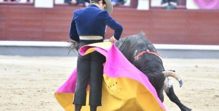 İspanya'da salgının başından bu yana ilk 'boğa güreşi' yapıldı