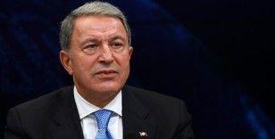 Milli Savunma Bakanı Akar Libya'nın başkenti Trablus'a gitti