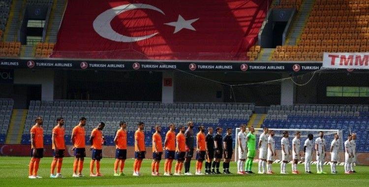 Süper Lig: Medipol Başakşehir: 0 - MKE Ankaragücü: 1 (İlk yarı)