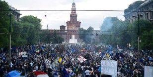 Inter'in şampiyonluk kutlamaları Kovid-19 önlemlerinin ihlal edilmesi nedeniyle tartışma konusu oldu