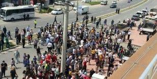 Sokağa çıkma kısıtlamasında 500 kişilik protestoya polis müdahalesi