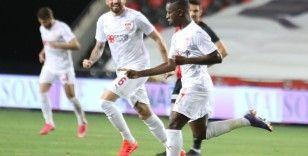 Sivasspor, Gradel ile masaya oturacak!