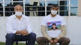 Evlat nöbetindeki baba, HDP'yi Vampire benzeterek çocuğunu istedi