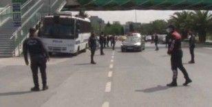 İstanbul'da kapanmaya sıkı denetim: Çevik kuvvet ilk kez sahada