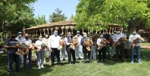 Fatma Şahin'den çiçekçi esnafına destek!