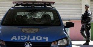 Rio de Janeiro'da uyuşturucu operasyonunda silahlı çatışma: 25 ölü